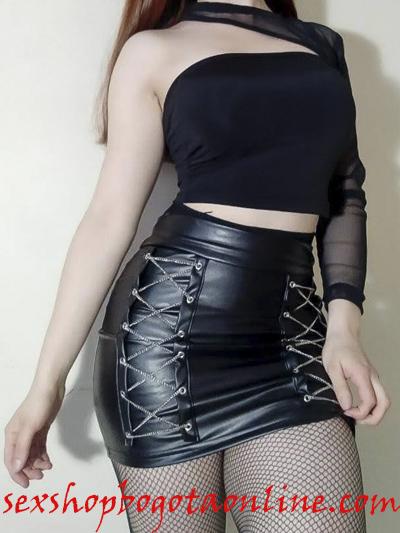 sexy falda cuerina cadenas laterales plateadas strech licrada comoda rockera sex shop envios nacionales domicilios bogota soacha