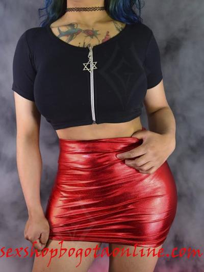 sexy-falda-roja-pvc-lame-sintetico-brillante-strech-licrada-comoda-ajustada-sado-sex-shop-envios-nacionales-domicilios-bogota-soacha